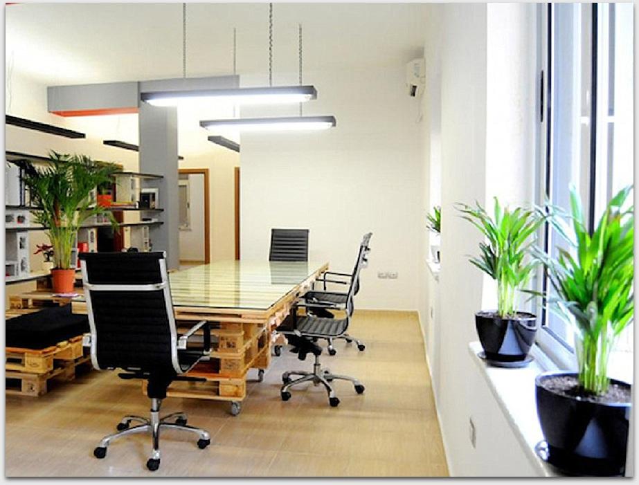 palety_w_biurze_design_zastosowanie_europaleta_we_wnetrzu_DIY_zrob_to_sam_biuro_z_palet_5 (1)