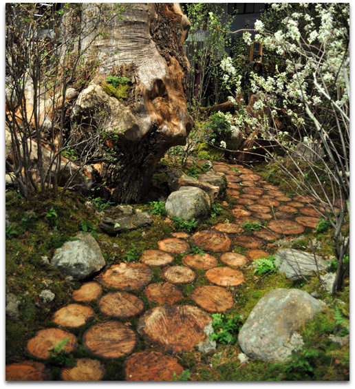 diy-pathway-of-wood-slices-3